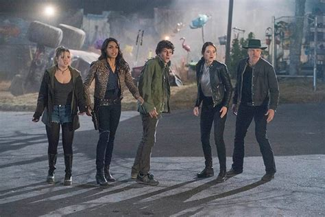 Zombieland 2 Red-Band Trailer Teases Award-Winning Cast