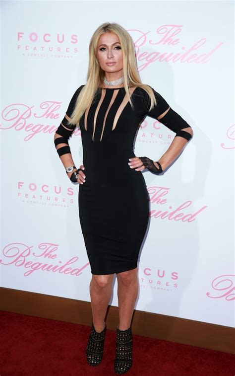Paris Hilton stuck to her tried & tested preference for