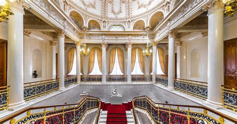 A Curator's Guide to the Fabergé Museum - The Corinthia